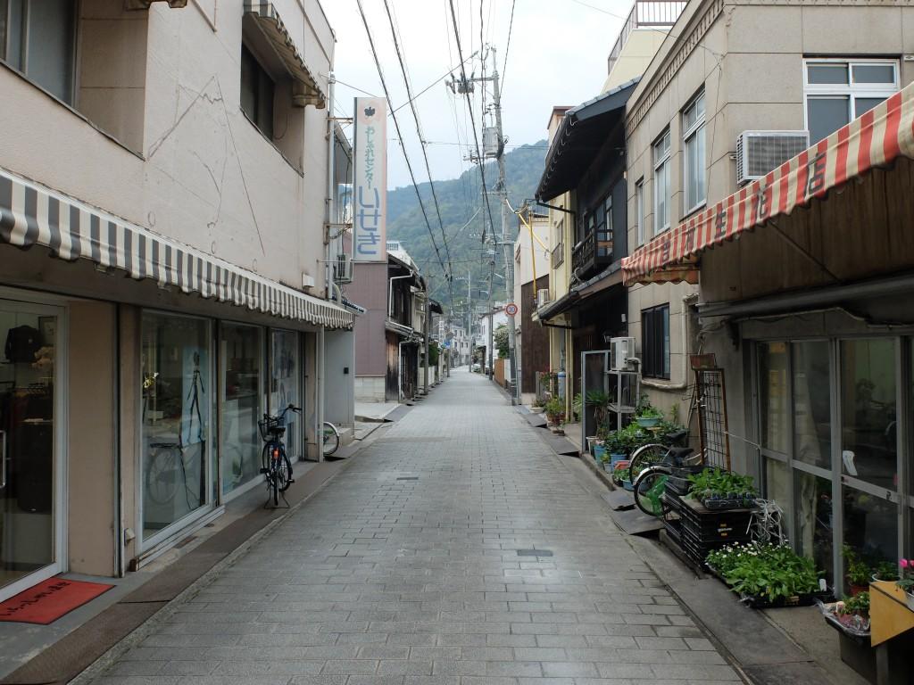 鞆の浦関町の街並み1