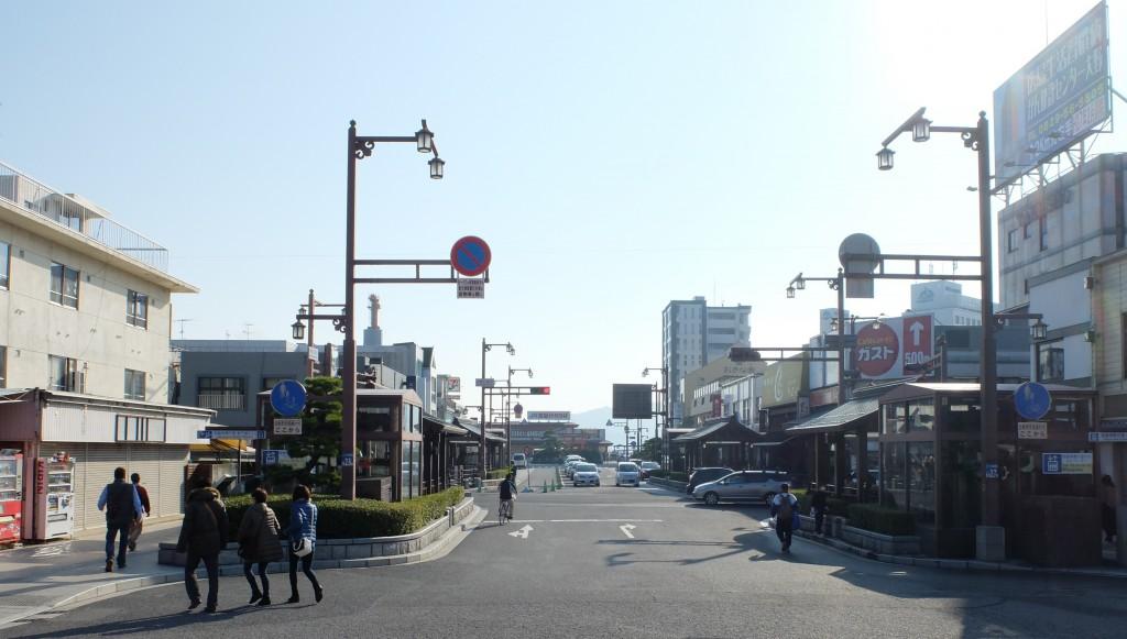 JR宮島口前の風景