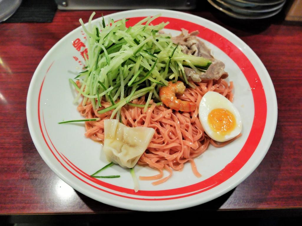 カープ応援「赤い呉冷麺」